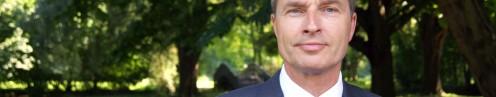 A.J. van Essen Uitvaartondernemer. Budget crematie. Professionele Uitvaartverzorger.